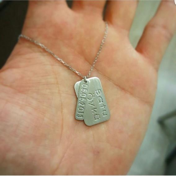 İsimli Tarihli Gümüş Kolye