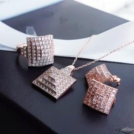 Mikro Taşlı Kare Piramit Gümüş Set