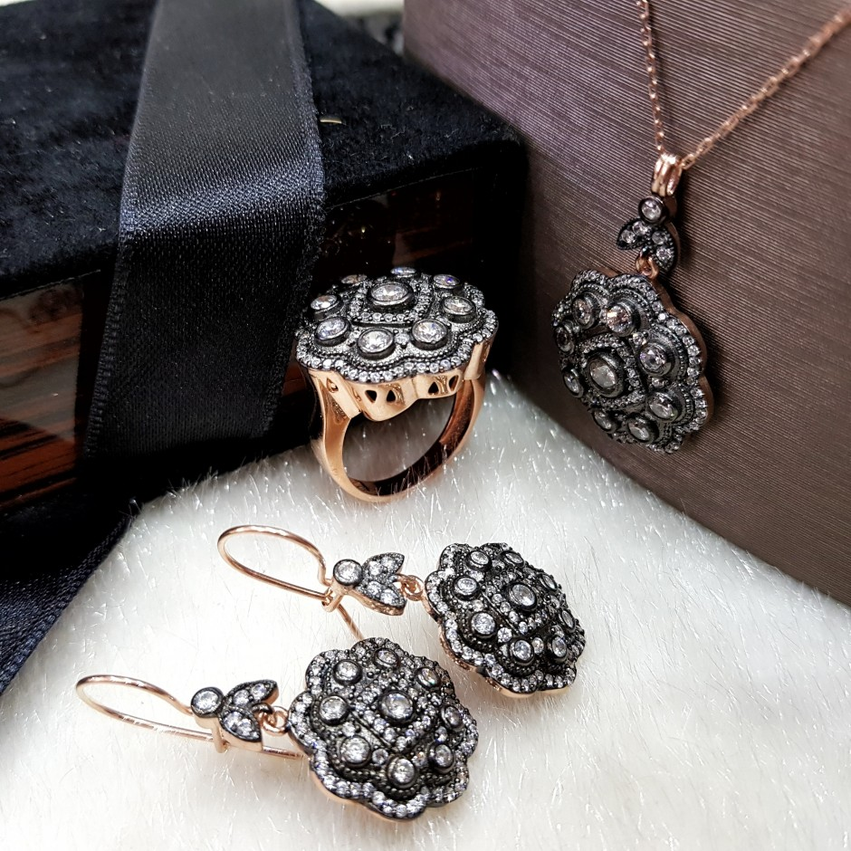 Elmas Modeli Gümüş Gül Set