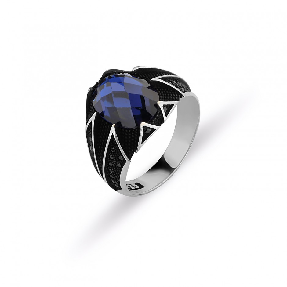 Men's Ring with Cut Sapphiir Stones