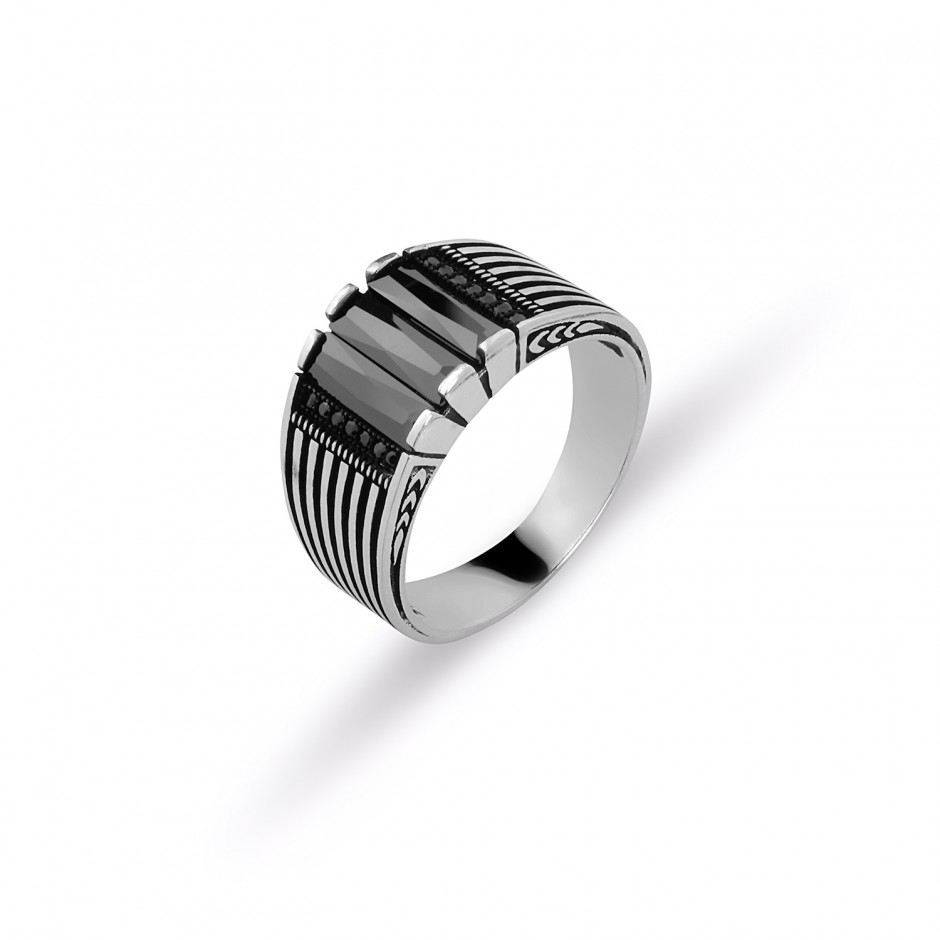 Men's Ring with Onyx Cutting Stones